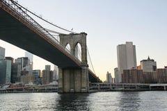 New York Vue sur un des ponts à Manhattan Images libres de droits