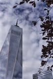 New York World Trade Center memorial do 11 de setembro & construção nacionais do museu imagens de stock