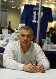 New York Yankeesgeneral manager Joe Girardi under autografperiod i New York Royaltyfri Fotografi