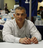 New York Yankeesgeneral manager Joe Girardi under autografperiod i New York Royaltyfria Bilder