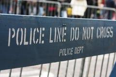 New- Yorkpolizeipfostenzaun stockfotos