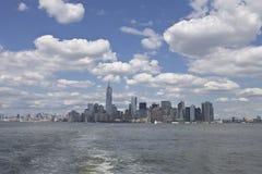 New- Yorkskyline bis zum Tag Lizenzfreie Stockbilder