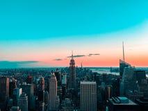 New- YorkSkyline am Sonnenuntergang lizenzfreie stockfotografie