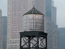 New- Yorkwasser-Behälter stockfoto
