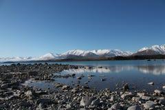 New Zealand风景湖和山景 免版税库存图片