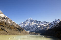 New Zealand scenic mountain landscape shot at Mount Cook National Park Stock Photo
