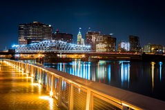 Newark, εικονική παράσταση πόλης NJ τή νύχτα Στοκ εικόνες με δικαίωμα ελεύθερης χρήσης