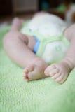Newborn младенец: Ноги стоковые фотографии rf