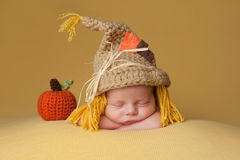 Free Newborn Baby Boy Wearing A Scarecrow Hat Stock Photography - 62843242