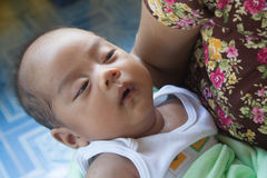 à¸'à¸'Newborn behandla som ett barn pojken Royaltyfria Foton