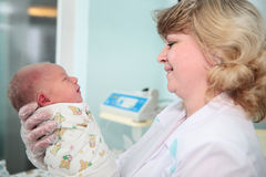Newborn in childbearing centre Stock Photography