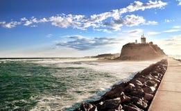 newcastle för Australien historiska landmarkfyr nobbys Arkivfoto