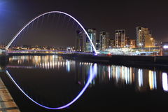 Newcastle / Gateshead Millennium Bridge at night time Royalty Free Stock Photos