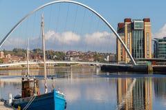 Newcastle-Kai mit Jahrtausend der Tynes, Gateshead Brücke a Lizenzfreies Stockbild