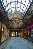 Newcastle - l'arcade centrale au centre de la ville images libres de droits