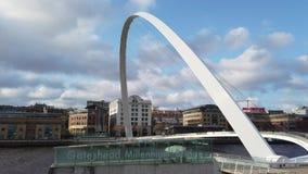 Newcastle na Tyne, Anglia, Zjednoczone Królestwo Gateshead milenium most zdjęcie wideo