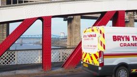 Newcastle na Tyne, Anglia, Zjednoczone Królestwo Huśtawkowy most jest huśtawkowym mostem nad Rzecznym Tyne zdjęcie wideo