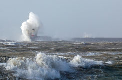 Newhaven latarnia morska w Szorstkim morzu Obraz Royalty Free
