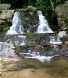 Newland cai cascatas gêmeas Foto de Stock Royalty Free