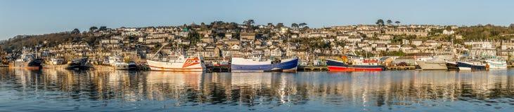 Newlyn połowu flota cumował w schronieniu, Cornwall obrazy stock