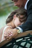 newlywed di amore delle coppie Fotografie Stock Libere da Diritti
