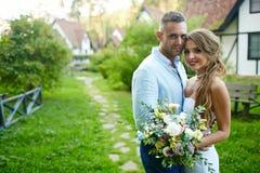 newlyweds stock fotografie