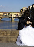 Newlyweds in Florence ponte vecchio Royalty Free Stock Photography