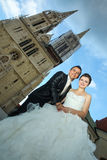Newlyweds posing in city Stock Photography