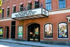 Newport operahus på Touro St Newport, RI Arkivfoto