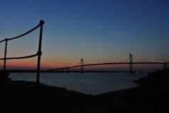Newport/passerelle de Jamestown, RI Photographie stock libre de droits