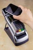 NFC πληρώνει Στοκ Εικόνες