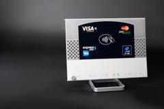 NFC - безконтактная компенсация стоковые фотографии rf