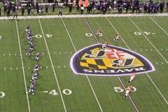 NFL橄榄球开球 库存照片
