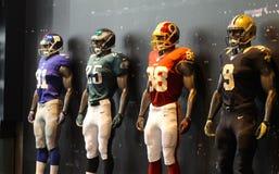 Фронт магазина манекена американского футбола NFL, магазин Нью-Йорка, Нью-Йорк, Америка Стоковые Фотографии RF