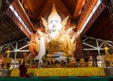 Nga Htat Gyi,菩萨雕象,缅甸 库存照片