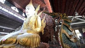 Nga Htat Gyi, également connu sous le nom de cinq-étage Bouddha banque de vidéos