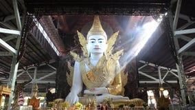 Nga Htat Gyi, anche conosciuto come il cinque-piano Buddha stock footage