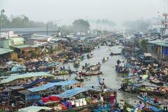 Nga Nam spławowy rynek w wczesnym poranku, Nga Nam miasteczko, Soc Trang prowincja Obrazy Stock
