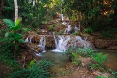 Ngao vattenfall, lampang, Thailand Royaltyfria Bilder