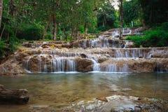 Ngao vattenfall, lampang, Thailand Arkivbilder