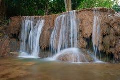Ngao vattenfall, lampang, Thailand Fotografering för Bildbyråer