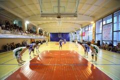 NGAVT-team tegen een tegenspel van het spelbasketbal royalty-vrije stock fotografie
