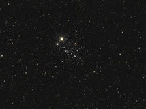NGC 457 of Uilcluster een Open cluster in Cassiopeia Royalty-vrije Stock Foto
