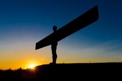 Ángel del norte en la puesta del sol Fotos de archivo