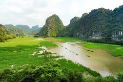Ngo Dong River in Trang een Unesco-plaats van de Werelderfenis in Nin Stock Foto