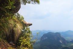 Ngon Nak小山龙冠,甲米府,泰国 免版税库存图片