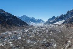 Ngozumpa-Gletscher in Nationalpark Sagarmatha Lizenzfreies Stockfoto