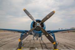 Ângulos do azul do Bearcat de Gurumman Fotografia de Stock Royalty Free