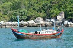 Nha Trang, Vietnam, Januar, 22, 2015 Boot in Bucht Nha Trang Stockbilder