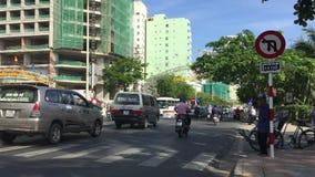 Nha Trang, Vietname - 10 de março de 2017 Timelapse do tráfego do movimento da rua da cidade de Ásia filme